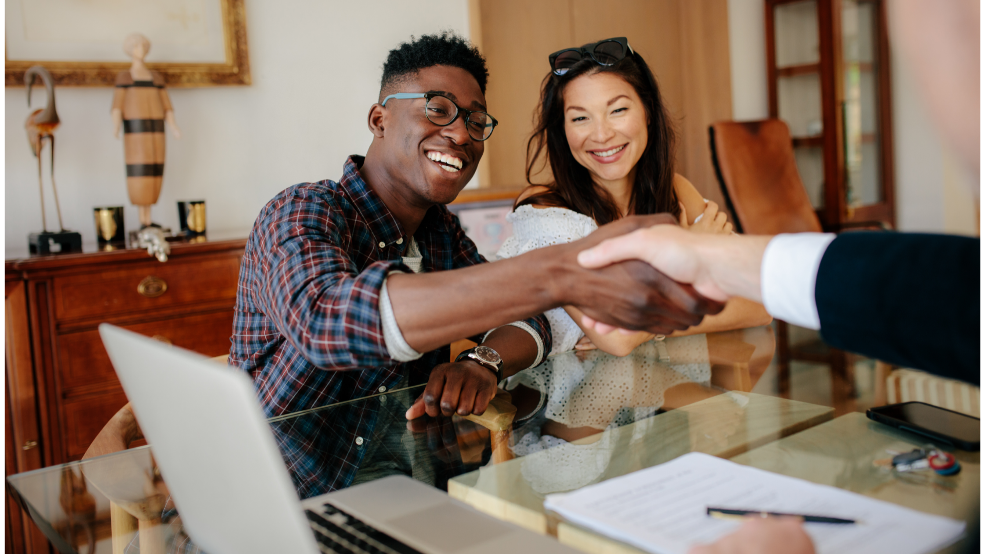 visual image of couple buying a home